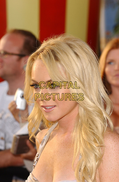 LINDSAY LOHAN.Attends The 2005 MTV Movie Awards held at The Shrine Theatre in Los Angeles, California, USA, .June 4th 2005..portrait headshot blonde hair flicks flicked out waves.Ref: DVS.www.capitalpictures.com.sales@capitalpictures.com.©Debbie VanStory/Capital Pictures