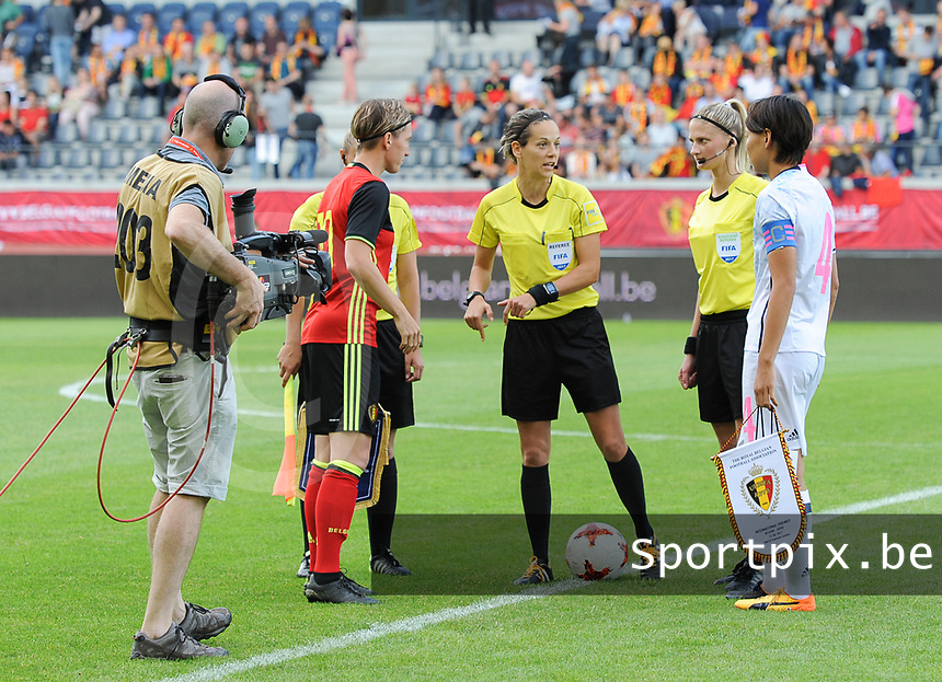 20170613 - LEUVEN ,  BELGIUM : referee Ivana Martincic with captain Aline Zeler (L) and captain Saki Kumagai (R)  pictured during the female soccer game between the Belgian Red Flames and Japan , a friendly game before the European Championship in The Netherlands 2017  , Tuesday 13 th Juin 2017 at Stadion Den Dreef  in Leuven , Belgium. PHOTO SPORTPIX.BE | DIRK VUYLSTEKE