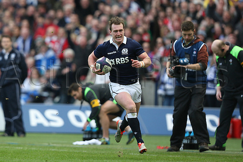 15.02.2015.  Edinburgh, Scotland. 6 Nations Championship. Scotland versus Wales. Scotland's Stuart Hogg on a try charge with the ball.