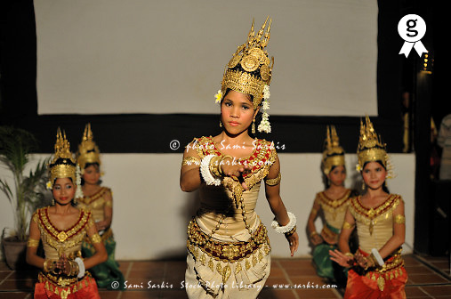 Traditional Cambodian Dancers performing (Licence this image exclusively with Getty: http://www.gettyimages.com/detail/85071262 )
