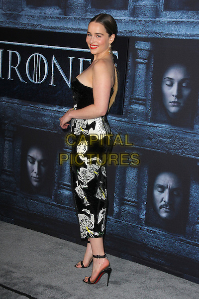 HOLLYWOOD, CA - APRIL 10: Emilia Clarke at the premiere of HBO's 'Game of Thrones' Season 6 at the TCL Chinese Theatre on April 10, 2016 in Hollywood, California. <br /> CAP/MPI/DE<br /> &copy;DE/MPI/Capital Pictures