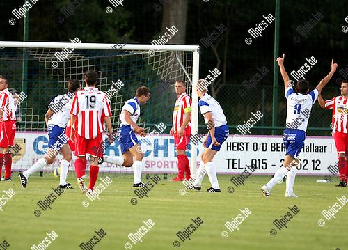 2009-08-29 / Voetbal / seizoen 2009-2010 / KSK Heist - Hoogstraten / David Wijns scoorde de 1-0 voor Heist..Foto: Maarten Straetemans (SMB)