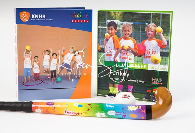 NIEUWEGEIN - KNHB attributen voor webshop. Funkey hockey FOTO KOEN SUYK