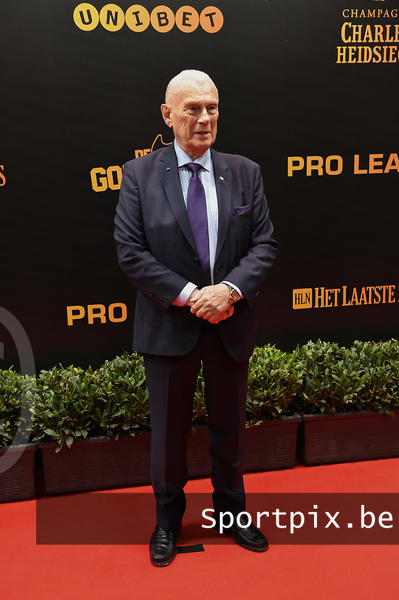 20190116 – PUURS ,  BELGIUM : Michel Verschueren pictured during the  65nd men edition of the Golden Shoe award ceremony and 3th Women's edition, Wednesday 16 January 2019, in Puurs Studio 100 Pop Up Studio. The Golden Shoe (Gouden Schoen / Soulier d'Or) is an award for the best soccer player of the Belgian Jupiler Pro League championship during the year 2018. The female edition is the thirth one in Belgium.  PHOTO DIRK VUYLSTEKE | Sportpix.be