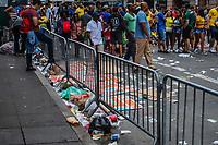 NOVA YORK, (EUA), 01.09.2019 - BR-DAY - Lixo acumulado sao vistos nao chão da sexta avenida durante o Brazilian Day em Nova York neste domingo, 01. (Foto: Vanessa Carvalho/Brazil Photo Press/Folhapress)