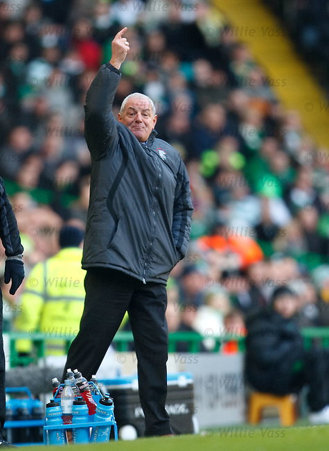 Walter Smith gestures from the touchline