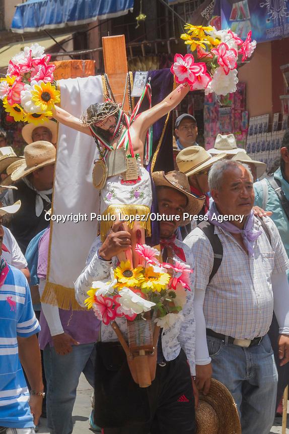 San Juan del Río,.Qro.17 de julio del 2017.- con la llegada de 17 mil personas al municipio de San Juan del Río, provenientes de la sierra gorda y de la capital del estado con dirección a la basilica de Guadalupe.