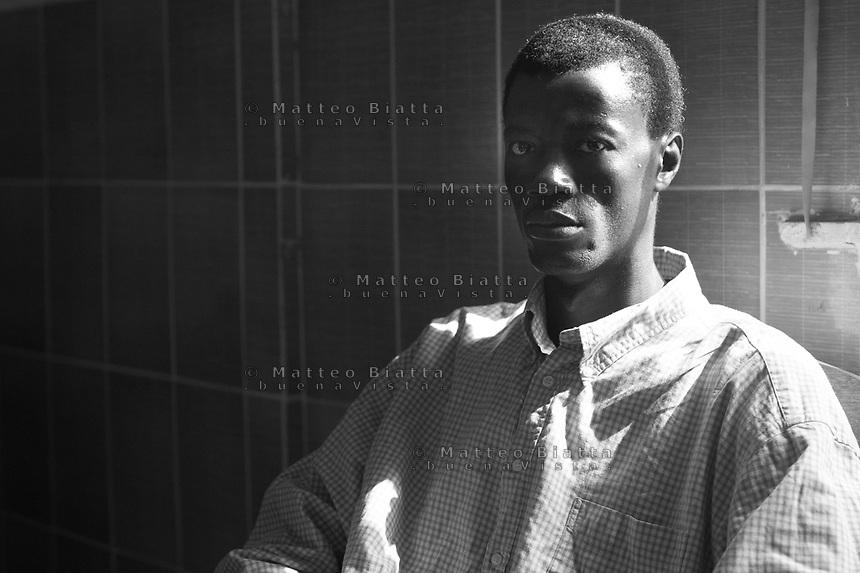 Sopravvissuti all'Ebola in Sierra Leone nella foto Biemkoma 31 anni ha sofferto d'Ebola tre mesi e ha perso otto familiari people Lunsar 30/03/2016 foto Matteo Biatta<br /> <br /> Ebola survivors in Sierra Leone in the picture Biemkoma 31 years old had suffered of Ebola for three months and lost eight family members people Lunsar 30/03/2016 photo by Matteo Biatta