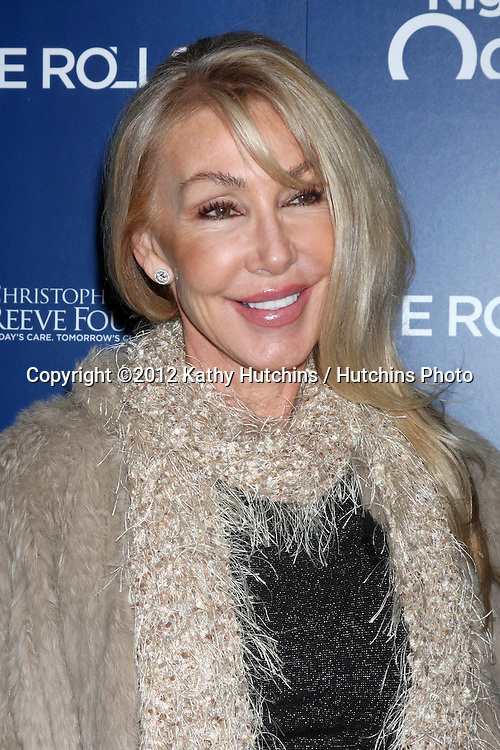 LOS ANGELES - NOV 11:  Linda Thompson arrives at the Life Rolls On Foundation's 9th Annual Night By The Ocean at The Ritz-Carlton on November 11, 2012 in Marina del Rey, CA