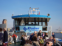 Hafenf&auml;hre in Hamburg, Deutschland, Europa<br /> Ferry in port of  Hamburg, Germany,  Europe