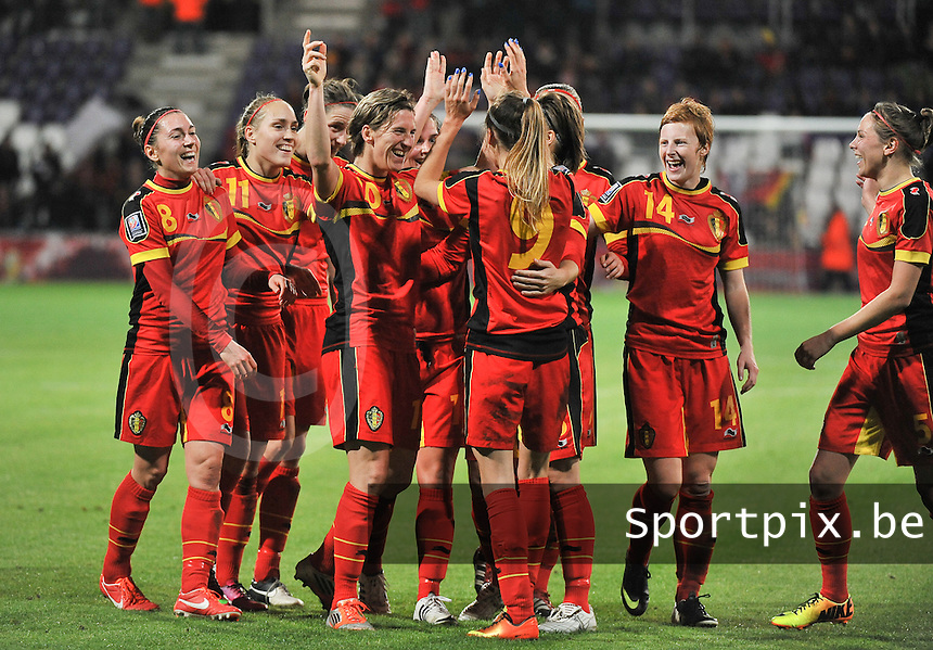 20131031 - ANTWERPEN , BELGIUM : Belgian Tessa Wullaert (9) pictured celebrating her goal and the 4-1 lead with her teammates during the female soccer match between Belgium and Portugal , on the fourth matchday in group 5 of the UEFA qualifying round to the FIFA Women World Cup in Canada 2015 at Het Kiel stadium , Antwerp . Thursday 31st October 2013. PHOTO DAVID CATRY