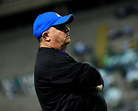 PALMIRA - COLOMBIA - 24 - 02 - 2018: Hugo Gotardi,  asistente técnico de Millonarios, durante partido entre Deportivo Cali y Millonarios de la fecha 5 por la liga Aguila I 2018, jugado en el estadio Deportivo Cali (Palmaseca) en la ciudad de Palmira. / Hugo Gotardi, technical assistant of Millonarios, during a match between Deportivo Cali and Millonarios of the 5th date for the Liga Aguila I 2018, at the Deportivo Cali (Palmaseca) stadium in Palmira city. Photo: VizzorImage  / Nelson Rios / Cont.