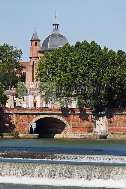 Europe/France/Midi-Pyrénées/31/Haute-Garonne/Toulouse: Les bords de la Garonne et l'église Saint-Pierre des Cuisines