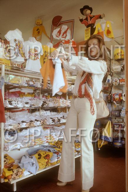May 1978, Los Angeles, CA. Sheila in Los Angeles.