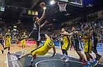 05.01.2020, EWE Arena, Oldenburg, GER, easy Credit-BBL, EWE Baskets Oldenburg vs Hamburg Towers, im Bild<br /> am fallen Michael CARRERA (Hamburg Towers #24 ) Philipp SCHWETHELM (EWE Baskets Oldenburg #33 ) Rasid MAHALBASIC (EWE Baskets Oldenburg #24 ) Beau BEECH (Hamburg Towers #5 ) Rickey PAULDING (EWE Baskets Oldenburg #23 )<br /> Foto © nordphoto / Rojahn