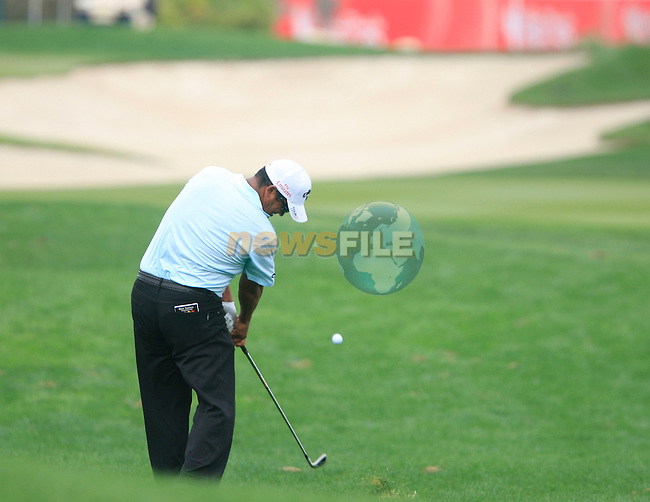 Michael Campbell plays his 2nd shot from the rough on the 13th hole during Thusday Day 1 of the Abu Dhabi HSBC Golf Championship, 20th January 2011..(Picture Eoin Clarke/www.golffile.ie)