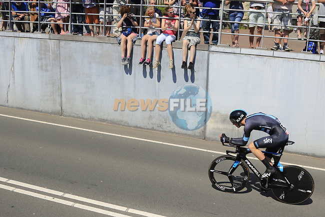 Ian Boswell (USA) Team Sky in action during Stage 1 of the 2016 Giro d'Italia, an individual time trial of 9.8km around Apeldoorn, The Nethrerlands. 6th May 2016.<br /> Picture: Eoin Clarke | Newsfile<br /> <br /> <br /> All photos usage must carry mandatory copyright credit (&copy; Newsfile | Eoin Clarke)