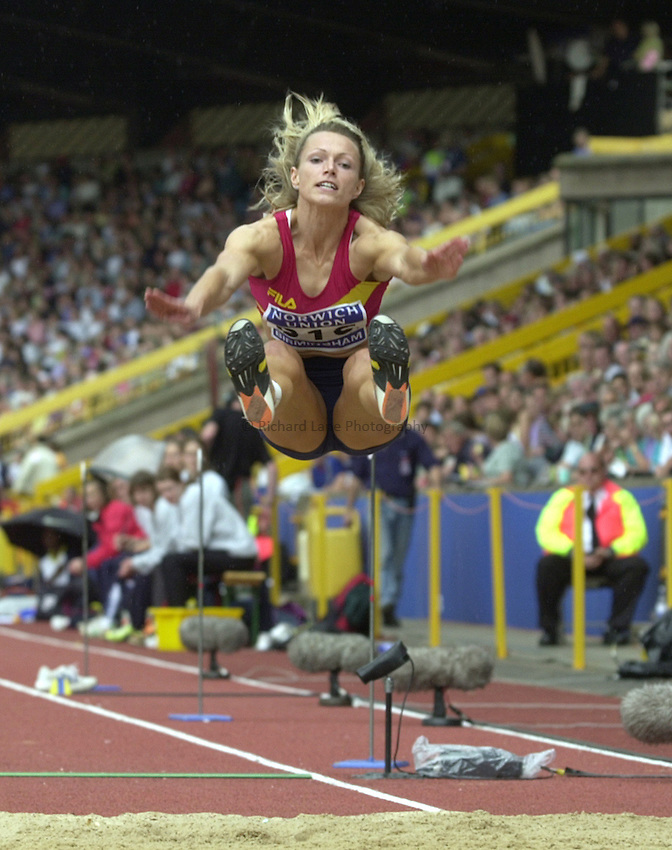 Photo. Richard Lane. .Norwich Union Olympic Trials and AAA Championships, Alexander Stadium , Birmingham. 13/8/2000.Jo Wise jumps to victory in the Womens Long Jump.