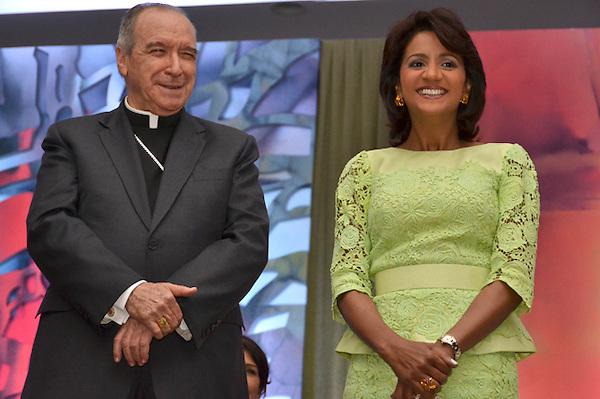Almuerzo por mes de la familia con la presencia del presidente Medina y  C&aacute;ndida Montilla, orador invitado cardenal L&oacute;pez Rodr&iacute;guez, hotel Crowne Plaza.<br /> Foto: Ariel D&iacute;az-Alejo/acento.com.do.<br /> Fecha: 11/21/2013.