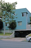 Koning Eizenberg: More of OP 12 Housing. 2207 6th St., Santa Monica 1986-88.  Photo '04.