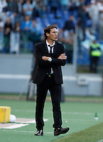 Calcio, Serie A: Roma vs Lazio. Roma, stadio Olimpico, 8 novembre 2015.<br /> Roma's coach Rudi Garcia gives indications to his players during the Italian Serie A football match between Roma and Lazio at Rome's Olympic stadium, 8 November 2015.<br /> UPDATE IMAGES PRESS/Isabella Bonotto