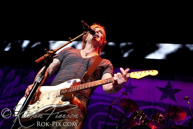 Goo Goo Dolls perform at Comcast Center, Mansfield, Massachusetts August 18, 2013
