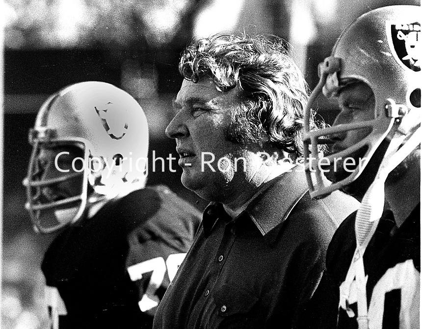 Oakland Raiders coach John Madden...(1977 photo/Ron Riesterer)
