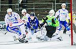Uppsala 2014-11-15 Bandy Elitserien IK Sirius - IFK V&auml;nersborg :  <br /> Sirius Ilja Grachev p&aring; genombrott framf&ouml;r V&auml;nersborgs m&aring;lvakt Pertti Virtanen innan sin reducering till 2-3 under matchen mellan IK Sirius och IFK V&auml;nersborg <br /> (Foto: Kenta J&ouml;nsson) Nyckelord:  Bandy Elitserien Uppsala Studenternas IP IK Sirius IKS IFK V&auml;nersborg