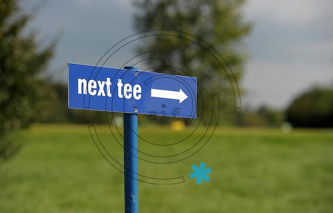 EAGLES GOLF CHARITY GOLF CUP - Golfpark Seehausen bei Leipzig - im Bild: feature next tee / nächstes Loch / next par. Foto: Norman Rembarz..Norman Rembarz , Autorennummer 41043728 , Holbeinstr. 14, 04229 Leipzig, Tel.: 01794887569, Hypovereinsbank: BLZ: 86020086, KN: 357889472, St.Nr.: 231/261/06432 - Jegliche kommerzielle Nutzung ist honorar- und mehrwertsteuerpflichtig! Persönlichkeitsrechte sind zu wahren. Es wird keine Haftung übernommen bei Verletzung von Rechten Dritter. Autoren-Nennung gem. §13 UrhGes. wird verlangt. Weitergabe an Dritte nur nach  vorheriger Absprache..
