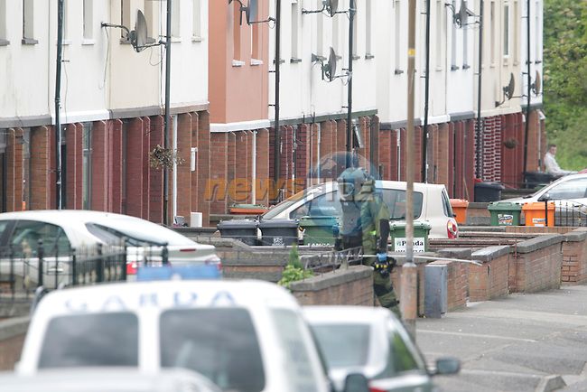 The Scene sealed off in Monaymore by Garda after the report of a pipe bomb left in the front garden of a house.<br /> Members of the garda sealed off the area requesting people to leave there homes as there awaited members of the EOD.<br /> Picture:  www.newsfile.ie