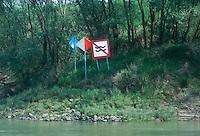 - system of signs for the navigation on the Po river....- segnaletica per la navigazione sul fiume Po