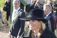 ALGEMEEN: JOURE: 21-11-2014, Bezoek Koningin Maxima bij de officiële opening van de Brede School, ©foto Martin de Jong