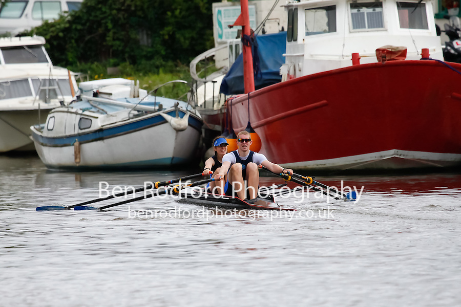 Mx.ELI.2x  Semi  (290) Taunton vs (291) Gloucester RC (Rodford)<br /> <br /> Sunday - Gloucester Regatta 2016<br /> <br /> To purchase this photo, or to see pricing information for Prints and Downloads, click the blue 'Add to Cart' button at the top-right of the page.