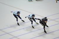 SCHAATSEN: HEERENVEEN: IJsstadion Thialf, 04-02-15, Training World Cup, Alexej Baumgärtner (GER), Bart Swings (BEL), Haralds Silovs (LAT), ©foto Martin de Jong