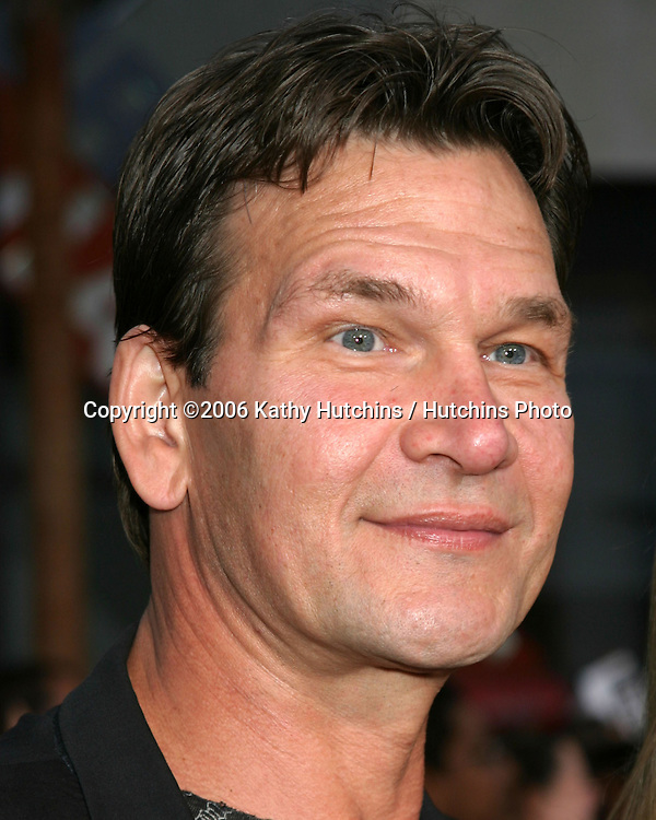 Patrick Swayze Arriving at the.MIssion Impossible 3 Fan Screening.Grauman's Chinese Theater.Hollywood & Highland.Los Angeles, CA.May 4, 2006.©2006 Kathy Hutchins / Hutchins Photo....