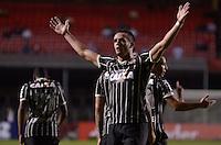 SÃO PAULO, SP, 03 DE JULHO DE 2013 - RECOPA SULAMERICANA - SÃO PAULO x CORINTHIANS: Renato Augusto comemora gol do Corinthians durante partida São Paulo x Corinthians, válida Recopa Sulamericana, disputada no estádio do Morumbi em São Paulo. FOTO: LEVI BIANCO - BRAZIL PHOTO PRESS.
