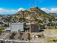 Hampton Inn by Hilton Hermosillo  y Cerro de la Campana.<br /> Paisaje urbano, paisaje de la ciudad de Hermosillo, Sonora, Mexico.<br /> Urban landscape, landscape of the city of Hermosillo, Sonora, Mexico.<br /> (Photo: Luis Gutierrez /NortePhoto)