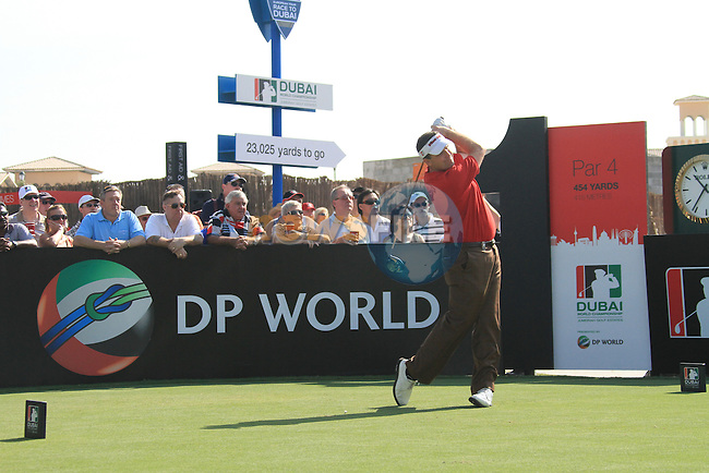 Dubai World Championship Golf. Earth Course,.Jumeirah Golf Estate, Dubai, U.A.E...Anthony Wall teeing off on the first during the second round of the Dubai World Golf championship..Photo: Fran Caffrey/www.golffile.ie...