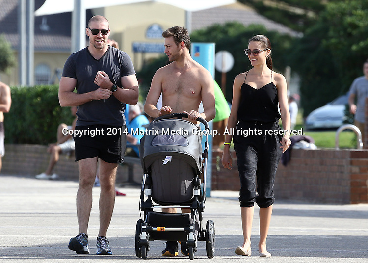 26  MAY 2014 SYDNEY AUSTRALIA<br /> <br /> EXCLUSIVE PICTURES<br /> <br /> Rachael Finch pictured with her husband Michael Miziner enjoying a leisurely walk with her buff brother and baby Violet at Bondi Beach followed by a but of brunch at Cafe Bondi.<br /> <br /> <br /> *No web/digital use without clearance*<br /> MUST CALL PRIOR TO USE .<br /> +61 2 9211-1088<br /> Matrix Media Group<br /> Note: All editorial images subject to the following: For editorial use only. Additional clearance required for commercial, wireless, internet or promotional use.Images may not be altered or modified. Matrix Media Group makes no representations or warranties regarding names, trademarks or logos appearing in the images.