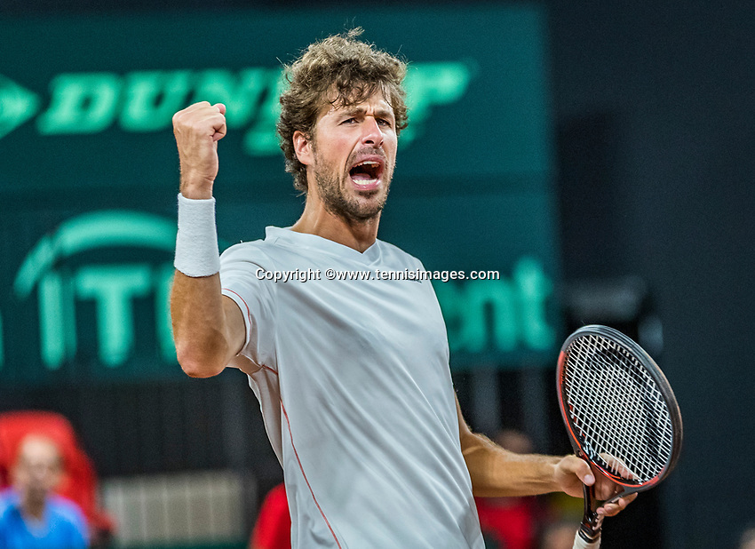 The Hague, The Netherlands, September 16, 2017,  Sportcampus , Davis Cup Netherlands - Chech Republic, Doubles : Robin Haase (NED) celebrates the win<br /> Photo: Tennisimages/Henk Koster