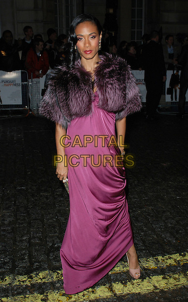 "JADA PINKETT SMITH.Attends the UK Film Premiere of ""The Pursuit of Happyness"", Curzon  Mayfair Cinema, London, England, 8th January 2007..full length purple pink long dress fur wrap shrug cropped jacket.CAP/CAN.©Can Nguyen/Capital Pictures"