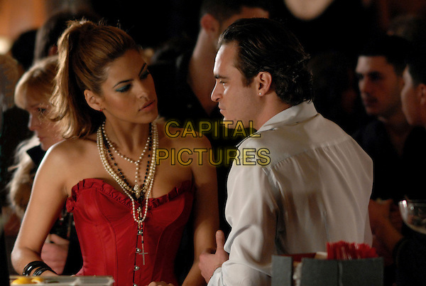 EVA MENDES & JOAQUIN PHOENIX.in We Own the Night.Mendez .**Editorial Use Only**.CAP/FB.Supplied by Capital Pictures