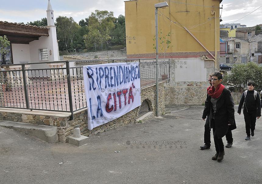 Antonella Monastra:centre-left candidate for mayor of Palermo visits Danisinni suburbs..Antonella Monastra: candidata a sindaco per la città di Palermo nello schieramento di centrosinistra nel quartiere di Danisinni