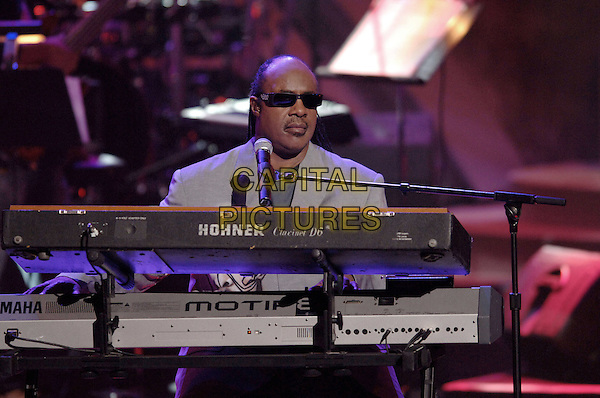 STEVIE WONDER.Performs at The World Music Awards-Show held at the Kodak Theatre,.Hollywood, 31st  August 2005.half length stage gig concert keyboard sunglasses .www.capitalpictures.com.sales@capitalpictures.com.© Capital Pictures.