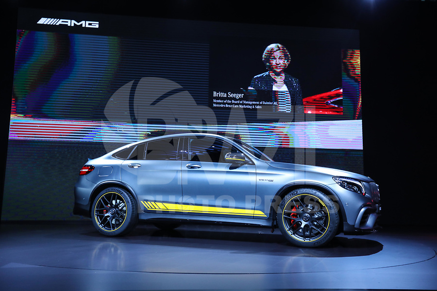 NEW YORK, EUA, 12.04.2017 - AUTOMÓVEL-NEW YORK -  Britta Seeger presidente de marketing da Mercedes Bens fala durante o New York Internacional Auto Show no Javits Center na cidade de New York nesta quarta-feira, 12. O evento é aberto ao público do dia 14 à 23 de abril de 2017  . (Foto: Vanessa Carvalho/Brazil Photo Press)