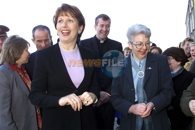 President Mary McAleese with Fatima principal Anne Barden..Picture: Paul Mohan/Newsfile