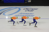 SCHAATSEN: CALGARY: Olympic Oval, 09-11-2013, Essent ISU World Cup,Team Pursuit, Koen Verweij, Jan Blokhuijsen, Sven Kramer (NED), ©foto Martin de Jong
