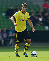 FUSSBALL   DFB POKAL   SAISON 2012/2013   1. Hauptrunde FC Oberneuland - Borussia Dortmund            18.08.2012 Sebastian Kehl (Borussia Dortmund)) Einzelaktion am Ball