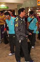 LONDRES, INGLATERRA, 17 JULHO 2012 - DESEMBARQUE SELECAO BRASILEIRA OLIMPICA EM LONDRES - Hulk da selecao masculina olimpica de futebol desembarca no Aeroporto de Heathrow em Londres na Inglaterra, nesta terca-feira, 17. (FOTO: GUILHERME ALMEIDA / BRAZIL PHOTO PRESS).