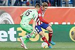 Atletico de Madrid's Fernando Torres (r) and Getafe's Carlos Vigaray during La Liga match.September 22,2015. (ALTERPHOTOS/Acero)